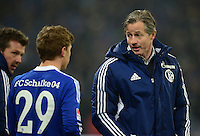 FUSSBALL   1. BUNDESLIGA   SAISON 2012/2013    23. SPIELTAG FC Schalke 04 - Fortuna Duesseldorf                        23.02.2013 Max Meyer (li) und Trainer Jens Keller (re, beide Schalke)