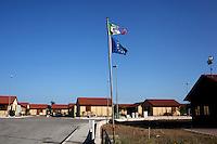 Bonefro: il villaggio di case provvisorie allestite dopo il terremoto del 2002. Fino ad oggi la regione ha speso quasi un miliardo a la ricostruzione non è terminata. Alcune cifre dicono che è ferma al 30%. In questi giorni la regione ha stanziato altri fondi.