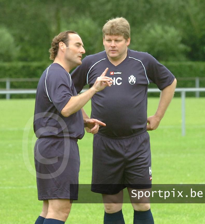 KV Kortrijk eerste training..Hein Vanhaezebrouck met Yves Vanderhaeghe..fotos DAVID CATRY/VDB