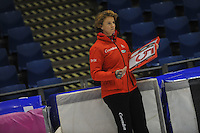 SCHAATSEN: HEERENVEEN: 20-12-2013, IJsstadion Thialf, KKT Trainingswedstrijd, Renate Groenewold (trainer/coach Team Corendon), ©foto Martin de Jong