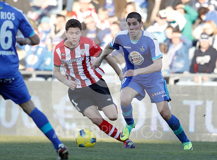Getafe's Abdel Barrada against Athletic de Bilbao's Ander Herrera during La Liga Match. January 08, 2012. (ALTERPHOTOS/Alvaro Hernandez)