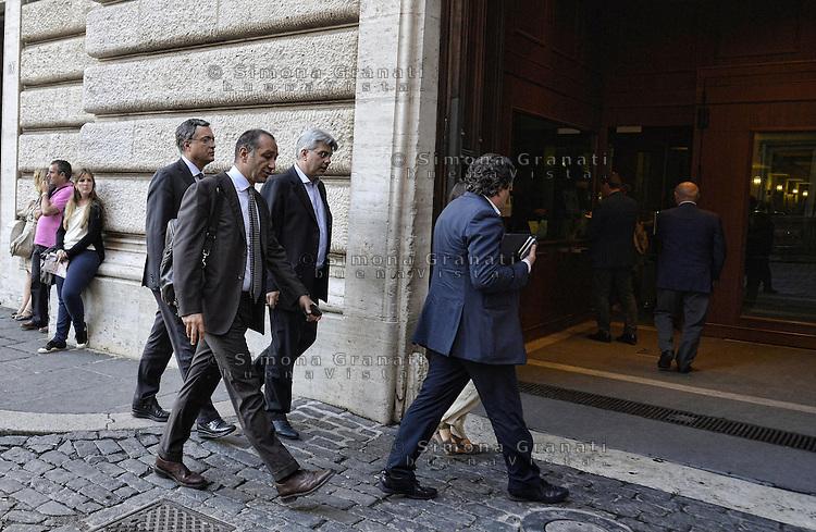 Roma, 30 Settembre 2013<br /> Parlamentari del PDL verso la riunione del gruppo a Montecitorio<br /> Nella foto Andrea Augello