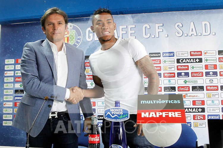 Getafe's new player Fredy Hinestroza with the General Manager Toni Munoz during his official presentation. July 21, 2014. (ALTERPHOTOS/Acero)