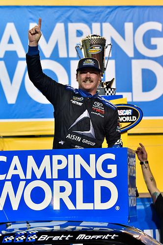 #16: Brett Moffitt, Hattori Racing Enterprises, Toyota Tundra AISIN Group celebrates his Championship win