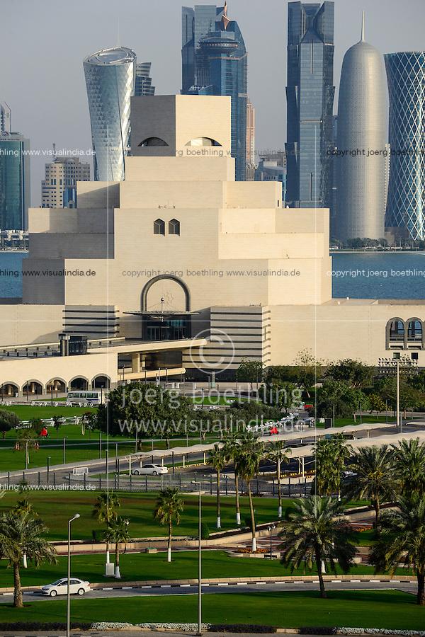 QATAR, Doha,museum for islamic arts infront of skyscrapers at East Bay / KATAR, Doha, Museum fuer islamische Kunst vor Wolkenkratzern der Eastbay