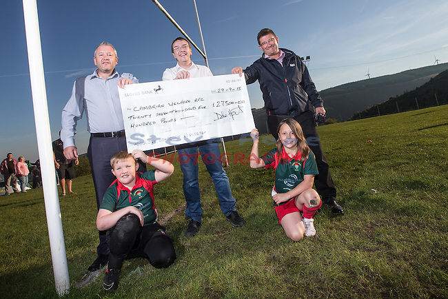 Pennant Walters cheque presentation to Cambrian Welfare RFC.<br /> 28.09.15<br /> &copy;Steve Pope - FOTOWALES