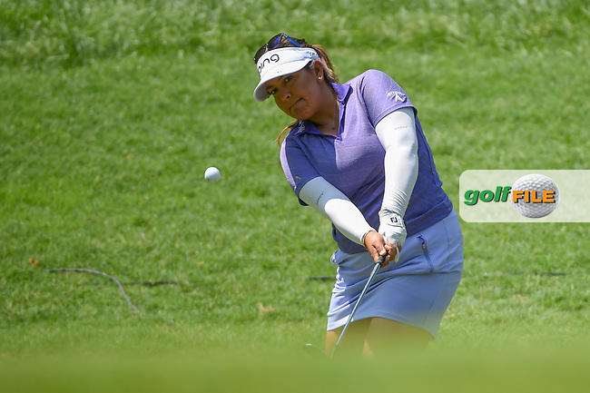 Lizette Salas (USA) chips on to 2 during round 4 of the U.S. Women's Open Championship, Shoal Creek Country Club, at Birmingham, Alabama, USA. 6/3/2018.<br /> Picture: Golffile   Ken Murray<br /> <br /> All photo usage must carry mandatory copyright credit (© Golffile   Ken Murray)