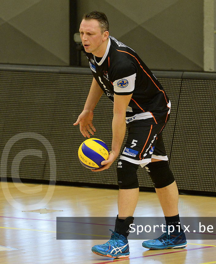 20161228 - ROESELARE ,  BELGIUM : Aalst's Frank Depestele pictured during the second semi final in the Belgian Volley Cup between Knack Volley Roeselare and Lindemans Aalst in Roeselare , Belgium , Wednesday 28 th December 2016 . PHOTO SPORTPIX.BE | DAVID CATRY