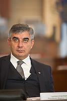 Ritratto verticale del Presidente della Regione Abruzzo Luciano D'Alfonso Photo Adamo Di loreto/BuenaVista*photo