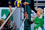03.12.2017, Halle Berg Fidel, Muenster<br />Volleyball, Bundesliga Frauen, Normalrunde, USC MŸnster / Muenster vs. Rote Raben Vilsbiburg<br /><br />Finte / Trick Mareike Hindriksen (#2 Muenster)<br /><br />  Foto &copy; nordphoto / Kurth