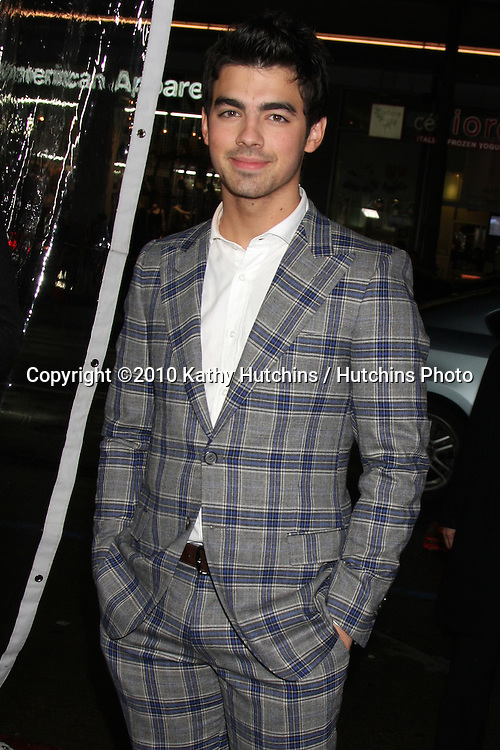 "Joe Jonas .arriving at the premiere of the ""Edge of Darkness"".Grauman's Chinese Theater.Los Angeles, CA.January 26, 2010.©2010 Kathy Hutchins / Hutchins Photo...."
