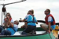 SKUTSJESILEN: STAVOREN: IJsselmeer, 13-08-2012, IFKS skûtsjesilen, A-klasse, skûtsje Zeldenrust, Ron Tempel (schotenman), Fonger Ringnalda (schotenman), schipper Kees van der Kooij, Lars vd Berg (adviseur), ©foto Martin de Jong