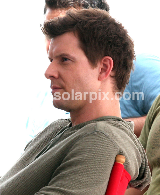 **ALL ROUND PICTURES FROM SOLARPIX.COM**.**SYNDICATION RIGHTS FOR UK, SPAIN, PORTUGAL, AUSTRALIA, S.AFRICA & DUBAI (U.A.E) ONLY**.The new TV series Ugly Betty Filming in Downtown Manhattan in New York in the USA..This pic:Eric Mabius.JOB REF:6891-PHZ/PR    DATE:21_07_08 .**MUST CREDIT SOLARPIX.COM OR DOUBLE FEE WILL BE CHARGED* *UNDER NO CIRCUMSTANCES IS THIS IMAGE TO BE REPRODUCED FOR ANY ONLINE EDITION WITHOUT PRIOR PERMISSION*