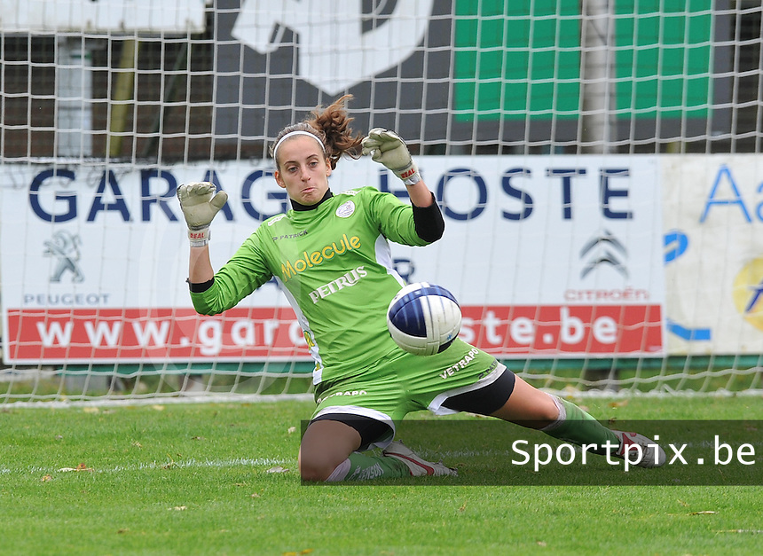Dames Zulte Waregem : Nele Cortvriend.foto DAVID CATRY / Vrouwenteam.be