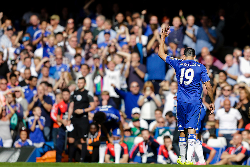 Chelsea's Diego Costa acknowledges the crowd as he gets substituted off<br /> <br /> Photographer Craig Mercer/CameraSport<br /> <br /> Football - Barclays Premiership - Chelsea v Arsenal - Saturday 19th September 2015 - Stamford Bridge - London<br /> <br /> &copy; CameraSport - 43 Linden Ave. Countesthorpe. Leicester. England. LE8 5PG - Tel: +44 (0) 116 277 4147 - admin@camerasport.com - www.camerasport.com