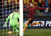 Calcio, Serie A: Roma vs Cagliari, Roma, stadio Olimpico, 22 gennaio 2017.<br /> Roma's Edin Dzeko, right, in action with Cagliari's goalkeeper Rafael, left, during the Italian Serie A football match between Roma and Cagliari at Rome's Olympic stadium, 22 January 2017. <br /> UPDATE IMAGES PRESS/Isabella Bonotto