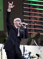 Giuliano Palma and The Bluebeaters sul palco del tradizionale concerto del Primo Maggio organizzato da Cgil, Cisl e Uil in piazza San Giovanni, Roma, 1 maggio 2008..Italian Giuliano Palma and The Bluebeaters performs on stage during the traditional May Day concert in St. John Lateran's Square, Rome, 1 may 2008..UPDATE IMAGES PRESS/Riccardo De Luca