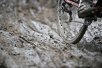 mud riding<br /> <br /> 2014 UCI cyclo-cross World Championships