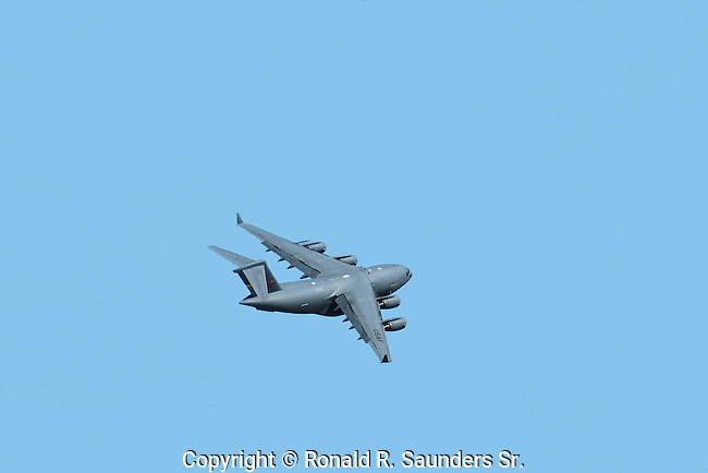 AIR FORCE JET FIGHTER in Flight<br /> (21)