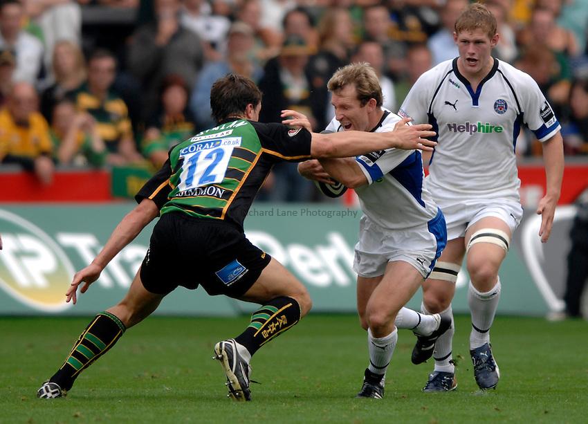 Photo: Richard Lane..Northampton Saints v Bath Rugby. Guinness Premiership. 16/09/2006. .Bath's Shaun Berne attacks.