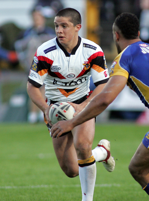 Photo: Paul Thomas..Bradford Bulls v Leeds Rhinos. Engage Super League. 26/05/2006..Paul Deacon of Bradford.