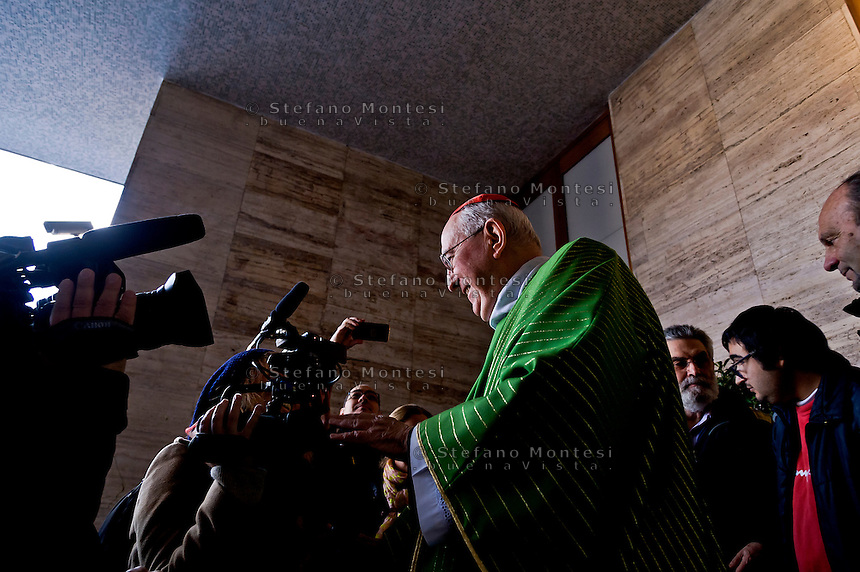 """ROME, ITALY - NOVEMBER 12:  Jubilee, closed Holy Door of Charity at Caritas hostel """"Don Luigi Di Liegro"""". Cardinal Pope's vicar for the Diocese of Rome, Agostino Vallini, has chaired this morning's Mass for the closing of the Holy Door of Charity on November 12, 2016 in Rome, Italy. Open December 18, 2015 by Pope Francis - the first in the history of Jubilees that does not introduce in basilicas, cathedrals and churches,  was crossed by over 12 thousand pilgrims."""