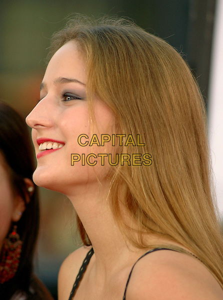 LEELEE SOBIESKI.New Line Cinema's World Premiere of 'Harold & Kumar Go to White Castle' held at The Mann's Chinese Village Theatre in Hollywood, California .July 27,2004 .headshot, portrait, profile.www.capitalpictures.com.sales@capitalpictures.com.Supplied By Capital Pictures