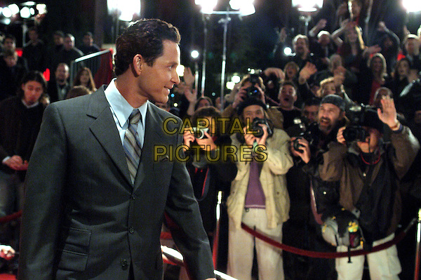 COLE HAUSER.in Paparazzi.Filmstill - Editorial Use Only.CAP/AWFF.supplied by Capital Pictures.