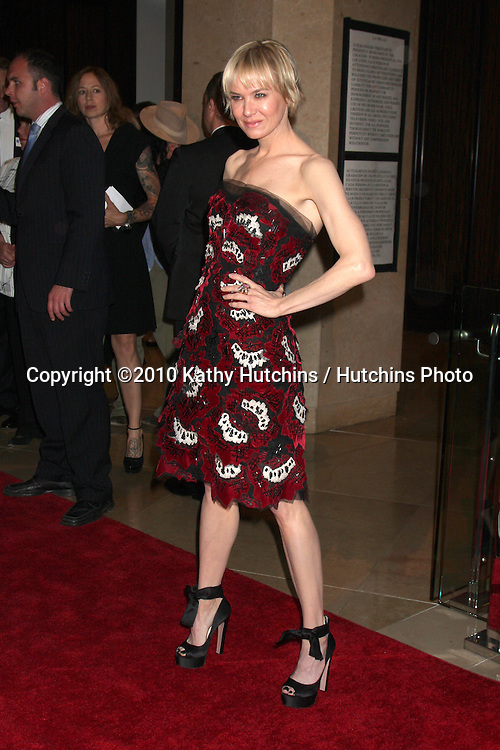 Renée Zellweger.arrives at An Evening with Women - LA Gay & Lesbian Center's Gala.Beverly Hilton Hotel.Beverly Hills, CA.May 1, 2010.©2010 Kathy Hutchins / Hutchins Photo...