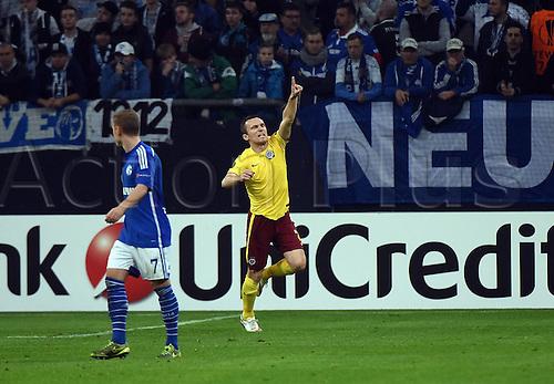 22.10.2015. Gelsenkirchen, Germany. UEFA Europa League football. FC Schalke versus Sparta Prague.  Goal celebration, for the goal for 1:2 scorer David Lafata (Sparta Prag)
