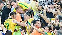 RIO DE JANEIRO, 30.06.2013 - COPA DAS CONFEDERAÇÕES - FINAL - BRASIL X ESPANHA - Neymar do Brasil após vitória por 3 a 0 sobre a Espanha na final da Copa das Confederações Estádio do Maracanã, na zona norte do Rio de Janeiro, neste domingo, 30. (Foto: William Volcov / Brazil Photo Press).