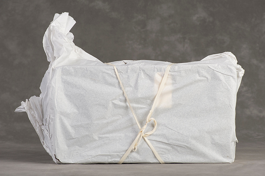 Willard Suitcases / Mary WE / ©2014 Jon Crispin