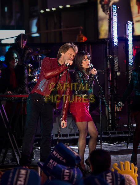 JON BON JOVI & LEA MICHELE.in New Year's Eve.*Filmstill - Editorial Use Only*.CAP/FB.Supplied by Capital Pictures.