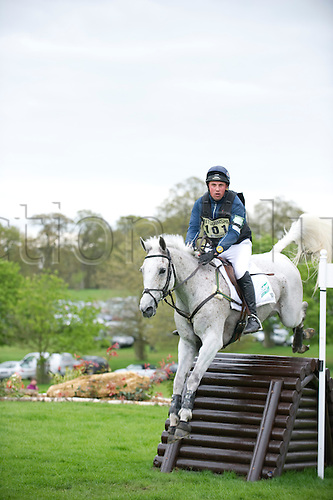 2.5.2010. , Badminton Cross Country, Mathew Wright on Well Spotted at Alterian Staircase,
