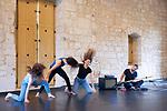 Plain<br /> Max Fossati conception et chor&eacute;graphie&nbsp;; Nicolas Garnier musique ; Constance Diard, Justine Lebas, Joana Schweizer danse<br /> Abbaye de Royaumont &ndash; Salle des charpentes<br /> 25/08/2018