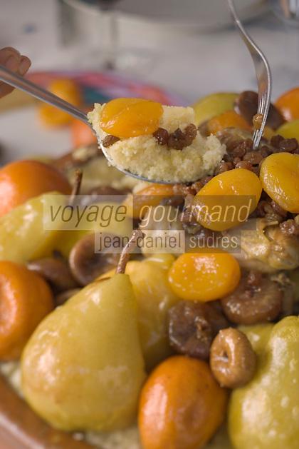 Afrique/Afrique du Nord/Maroc/Fèz: Couscous de caille aux fruits confits recette du Riad Sheherazade 23 Arsat Bennis Douh dans la médina