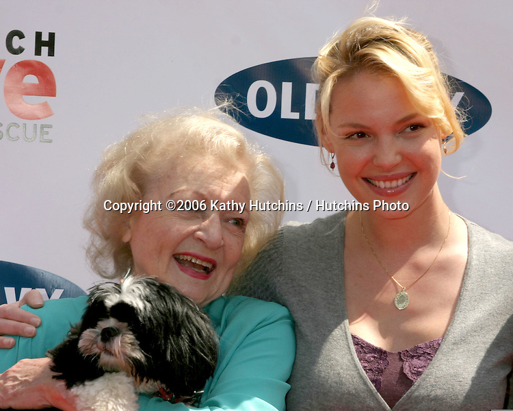 Betty White and Katherine Heigl.Much Love Animal Rescue Event.Los Angeles, CA.April 29, 2006.©2006 Kathy Hutchins / Hutchins Photo..