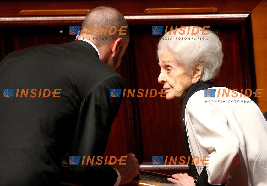 Roma, 19-05- 2006  Senato:Votazione per la Fiducia<br /> Nella foto la senatrice a vita Rita Levi Montalcini durante il voto<br /> Photo Serena Cremaschi Insidefoto