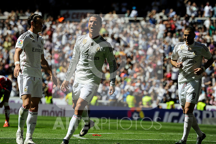 Real Madrid´s Cristiano Ronaldo and Karim Benzema celebrates a goal during 2014-15 La Liga match between Real Madrid and Granada at Santiago Bernabeu stadium in Madrid, Spain. April 05, 2015. (ALTERPHOTOS/Luis Fernandez)
