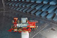 - Italian Institute for Toy Safety; certification of toys and products intended for children: compatibility test for electromagnetic interferences....- Istituto Italiano Sicurezza dei Giocattoli; certificazione dei giocattoli e dei prodotti destinati all'infanzia: test di compatibilità per le interferenze elettromagnetiche