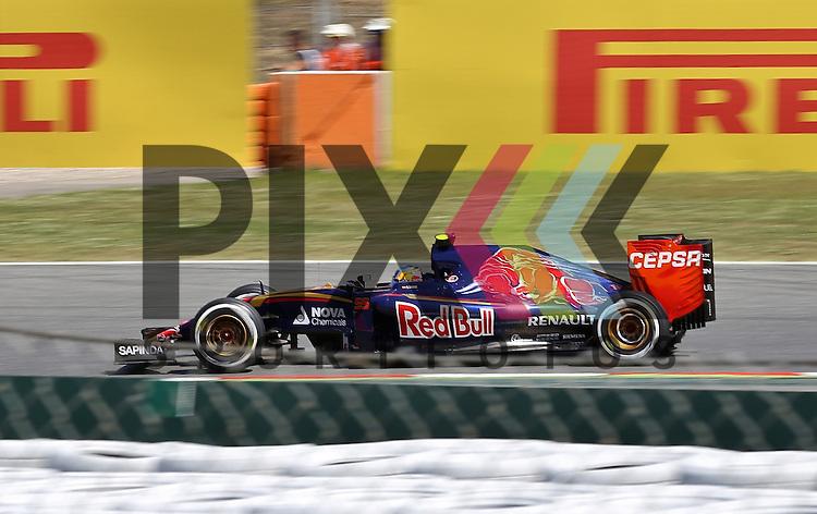 Barcelona, 10.05.15, Motorsport, Formel 1 GP Spanien 2015, Qualifying : Daniil Kvyat (Red Bull Racing RB11, #26)<br /> <br /> Foto &copy; P-I-X.org *** Foto ist honorarpflichtig! *** Auf Anfrage in hoeherer Qualitaet/Aufloesung. Belegexemplar erbeten. Veroeffentlichung ausschliesslich fuer journalistisch-publizistische Zwecke. For editorial use only.