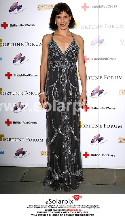 ALL ROUND PICTURES BY SOLARPIX.COM. .Darcey Bussell arrives for the Fortune Forum Summit charity event at Old Billingsgate Market. in London on 26.09.06. JOB REF:2842 - PRS..MUST CREDIT SOLARPIX.COM OR DOUBLE FEE WILL BE CHARGED.....