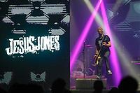 SÃO PAULO, SP 03.05.2019: JESUS JONES-SP - A banda Jesus Jones, em sua formação original com Mike Edwards(vocal e guitarra),Jerry De Borg(guitarra),Al Doughty(baixo),Iain Baker(teclados) eGen(bateria), se apresentou na noite desta sexta (03), no Tropical Butantã, zona oeste da capital paulista. (Foto: Ale Frata/Codigo19)