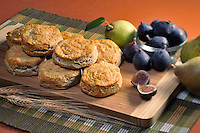 Biscuits with figs and pears