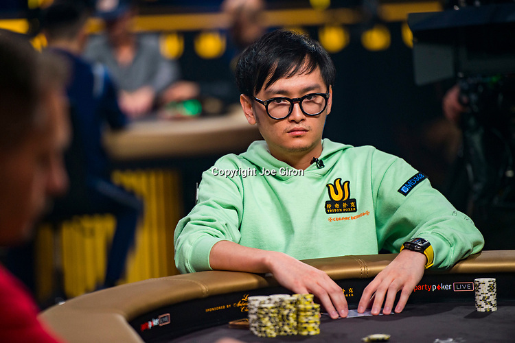 Heads Up Wai Kin Yong