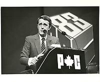 Brian Mulroney lors du congres a la chefferie du PC, en mars 1983, a Ottawa.<br /> <br /> PHOTO : agence quebec presse