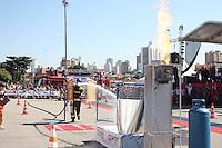 SÃO PAULO, SP, 01/07/2012, 1º DESAFIO  BOMBEIROS.<br /> <br />  Equipes de várias partes do Brasil e um representante da Argentina, participaram hoje (1) do Desafio Bombeiros.<br />  A prova consiste em simulação de trabalhos que o bombeiro realiza diariamente.<br />  A competição, primeira realizada no Brasil, pretente em breve contar com equipes de outros paises.<br />  Parte integrante da festividade do Dia do Bombeiro, comemorado e realizado no Pq. da Independencia.<br /> <br />  Luiz Guarnieri/ Brazil Photo Press