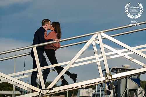An engagement shoot at the golden hour on the Hudson River waterfront in Tarrytown.