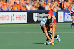 The Hague, Netherlands, June 10: Mariela Scarone #21 of Argentina passes the ball during the field hockey group match (Women - Group B) between Argentina and China on June 10, 2014 during the World Cup 2014 at GreenFields Stadium in The Hague, Netherlands. Final score 1-1 (yy-yy) (Photo by Dirk Markgraf / www.265-images.com) *** Local caption ***