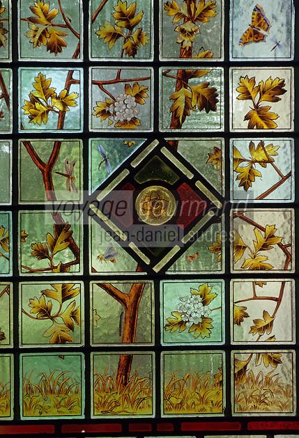 Europe/Grande-Bretagne/Ecosse/Moray/Speyside/Env de Dufftown : Linn House - Détail vitrail intérieur